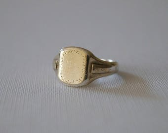 Vintage Gold Plate on Silver Signet Ring - Vintage Signet Ring - Vintage Mens Ring - Vintage Mens Signet Ring - Size R 1/2 or 9