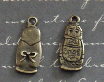 2 charms matryoshka / nesting doll 8x20mm bronze metal