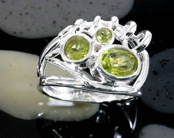 Peridot and 925 Sterling Silver, Ring  --  5033