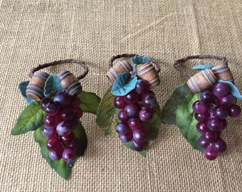 Grapes napkin rings/succulent napkin rings/ party favor tags/ placecards/ napkin rings/ vineyard napkin rings/tablescape
