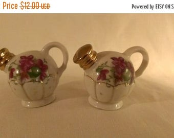 Watering Can Salt and Pepper Shakers (777)