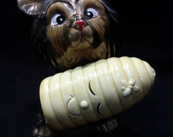 Bear with Bee Hive Salt and Pepper Shaker, Hand Painted, Made in Japan    (1435)
