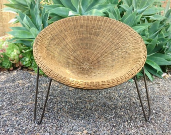 Mid Century Design Wicker Chair