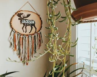 ANIMAL & FRINGE // Wood Slice Name Sign, Nursery Decor, Woodland Nursery, Baby Shower Gift