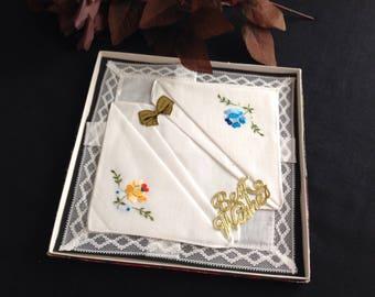 Boxed vintage Irish linen handkerchiefs . Set three. Original box.