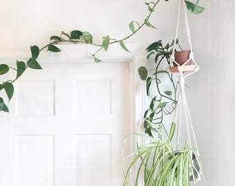 Modern Macramé Plant Hanger // two-tiered // multi plant // double plant holder // two plants // small/medium/large
