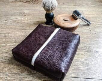 Mens leather travel wash/shaving bag