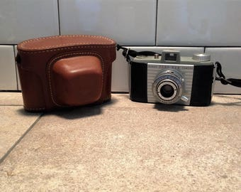 Vintage Kodak Pony 828 Camera with Field Case, Anaston Lens, Photography Equipment