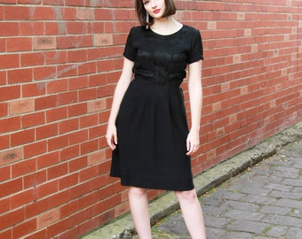 Vintage 1940s Black Ballerina Dress / Lace Patterned Bodice / 40s Little Black Dress / Short Sleeves / Semi-Full Pleated Skirt / XS