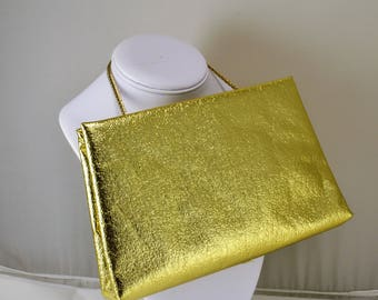 Harry Levine Gold Lame Clutch - Hidden Clasp Hidden Chain - Vintage 1950s Glamour Formal Prom Cocktail Party Wedding Accessory