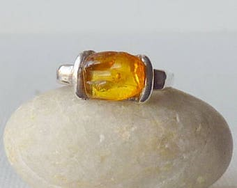Vintage Sterling Silver Amber Ring Honey Baltic Amber 925 Ring Size 6 Small Romantic Unique Ring Size 6 Yellow Amber Retro Ring 70's Jewelry