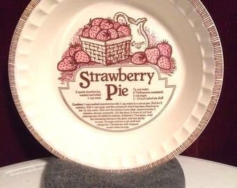 Vintage strawberry Royal China Jeannette strawberry pie dish 1980s