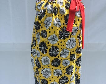 Yellow and Black Daisy Pillow Case Dress  Size 8/10 With Matching Hair Bow