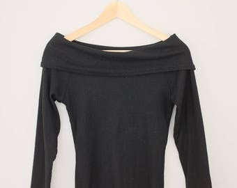Vintage 90's Off-Shoulder Long Sleeve
