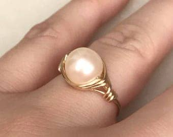 Simple Pearl Ring, Gold Pearl Ring, Women's Pearl Ring, Simple Handmade Ring, Wire Wrapped Rings, Boho Pearl Ring, Pear Ring Jewelry