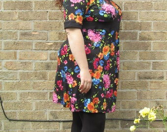 Size L 22/24 - Floral Empire Line Dress - Plus Size