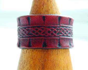 Celtic Leather Ring boho in red vegetable tanned leather / 3rd anniversary gift