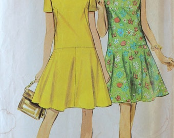 Vintage Sewing Pattern - 1960s Dress Pattern - Simplicity 7598