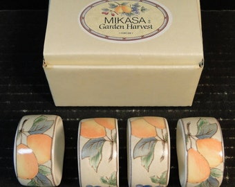Mikasa Garden Harvest FOUR Napkin Rings Intaglio CAC29 In Original Box Set of 4 EXCELLENT!