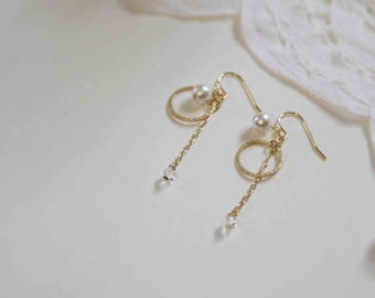 Drop earrings with cotton pearls and Swalovski