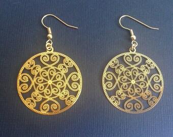 """Earrings type """"brass"""" gold metal."""