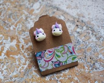 Horned lobe Earrings the unicorn in Fimo. Lilac Horn.