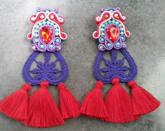 Soutache earrings with tassels and torchon