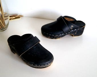 Wood clogs Boho shoes Vintage wooden clogs Eur 24 Swedish Rustic Kids Girls Boys shoes Clogs Black shoes Scandinavian Platform Clogs Sandals