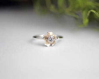 Moissanite gold and silver flower ring