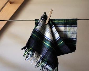 VTG scarf Made in Scotland / / Cashmere Wool / / Beautiful Vintage Green Tartan Scarf Laird - porch Scottish 70 s.