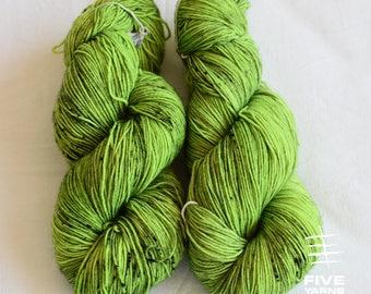 Hand dyed sock yarn: Envy - Sock - 75 Superwash Wool/25 Nylon, Handdyed yarn, Handdyed sock yarn