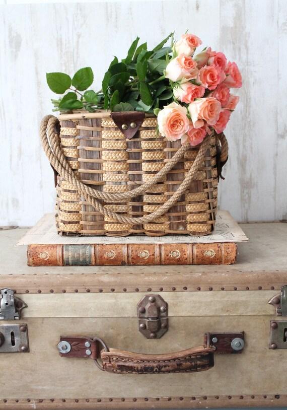 panier vintage en osier et corde d cor campagne chic panier. Black Bedroom Furniture Sets. Home Design Ideas