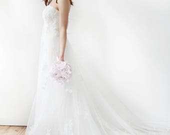 Strapless Empire Waist Beaded Lace Wedding Dress