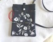 mini pochette sac jean denim motif brodé main d'inspiration japonaise,
