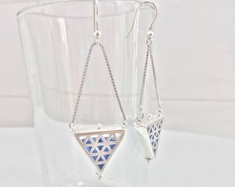 "Triangle venetian glass and fretworked silver earrings ""Gabbia"""