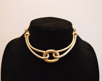 Gold Tone Knot Collar Necklace