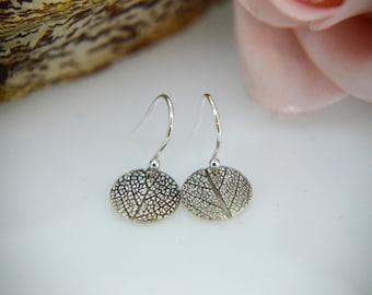 Silver Earrings, Round drop earrings, leaf Earrings, Dangly Earrings, Round leaf Earrings, Silver sage Earrings, Sage, Nature Earrings (UK)