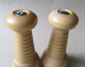 Vintage Hardwood Salt and Pepper Shakers. Light Colored Wood with Lovely a Grain. Sleek Mid Century Styling. Unsigned.