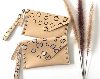 Leather pouch, Clutch, Animal print style Coin purse, Detachable wrist strap.