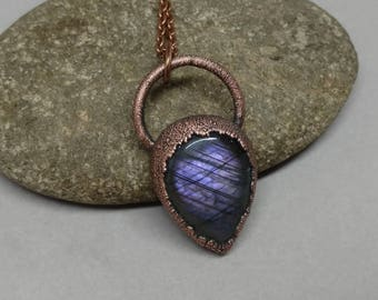 Gifts for Her - Statement Jewelry - Valentines Day Gift - Crystal Jewelry - Copper Electroformed - Labradorite Jewelry - Labradorite Pendant