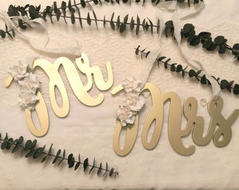 Mr and Mrs chair signs, Mr and Mrs wedding signs, Mr and Mrs signs, gold wedding decor, wedding signs, wedding chair signs