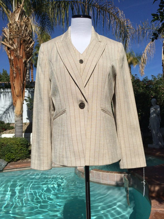 Amanda Smith 3 piece Pin striped Suit, Size 8P,Vintage 90's,Never worn.