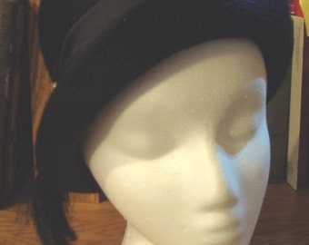 Gwenn Pennington Ladies Hat, Fuzzy Navy Blue From 60s or Early 70s