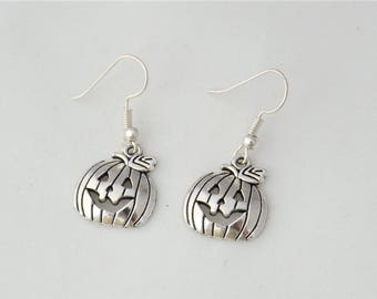 Silver pumpkin earrings, gothic Halloween earrings gift for her, Thanksgiving jewelry, Jack O Lantern Halloween costume accessory jewellery