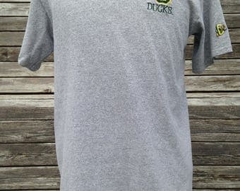 Vintage OREGON DUCKS T Shirt - Medium - University of Oregon - Embroidered