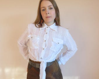WESTERN Tie Up Crop Sheer Shirt / Textured Fray Fringe White Long Sleeve Button Up Top Pockets Size 8-10 Small
