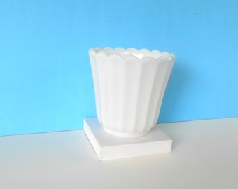 Milk Glass Planter , Vintage Milk Glass Vase,White Flower Pot,Floral Vase Scalloped Edge,
