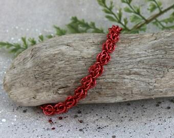 Dainty bracelet - chain bracelet - delicate bracelet - minimalist jewelry - gift for her - chainmail - statement jewelry - chain jewelry