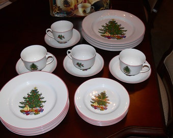 20 Piece - Cuthbertson American Christmas Tree Red Band Dinnerware Set