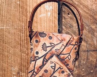 Wall pocket vase
